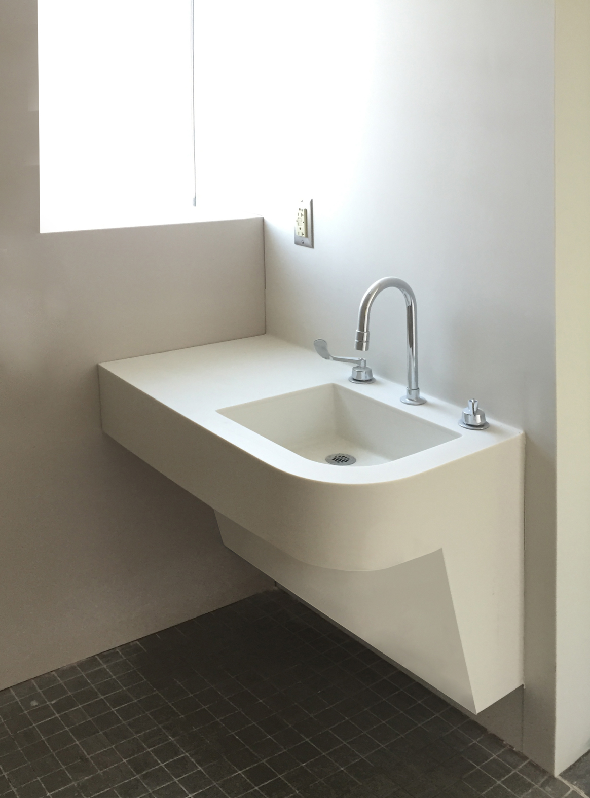 Futrus 174 Solutions With Corian 174 Design Sink Modules